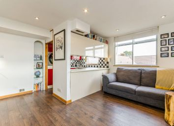 Thumbnail 2 bed flat to rent in Prospect Hill, Walthamstow