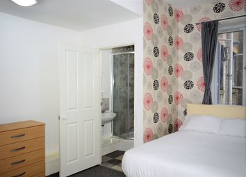 Room to rent in Whitechapel Road, London E1