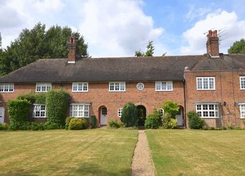 Thumbnail 2 bed flat to rent in Hill Top, Hampstead Garden Suburb