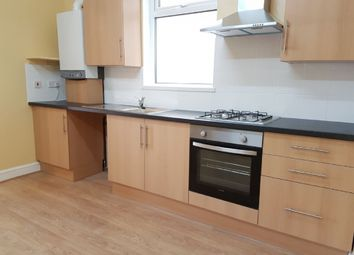 Thumbnail 2 bed flat to rent in Brigstock Road, Thornton Heath