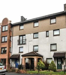 Thumbnail 3 bed flat for sale in Craigton Street, Clydebank, West Dunbartonshire
