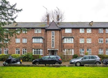 Thumbnail 2 bed flat for sale in Derby Lodge, East End Road, Finchley, London