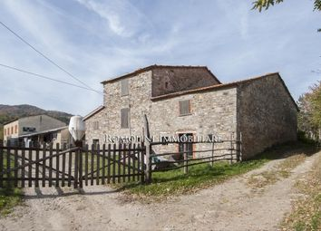 Thumbnail Farm for sale in Pieve Santo Stefano, Tuscany, Italy