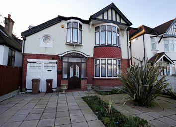 4 bed detached house to rent in Whipps Cross Road, London E11