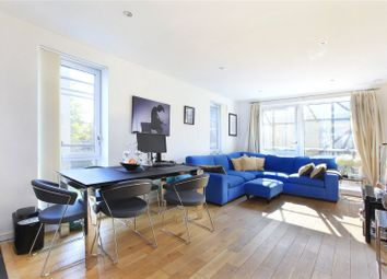 Peachey House, Wandsworth Town, London SW18. 2 bed flat for sale