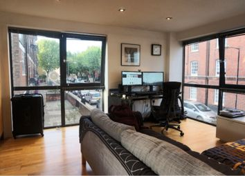 Thumbnail 1 bed flat to rent in 71 Redmans Road, London