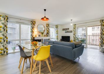 Adenmore Road, Catford, London SE6. 2 bed flat for sale