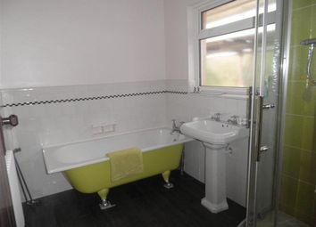Thumbnail 3 bedroom flat to rent in Lansdowne Road, Worthing