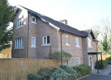 Thumbnail 1 bed flat to rent in Whitethorn Avenue, Coulsdon