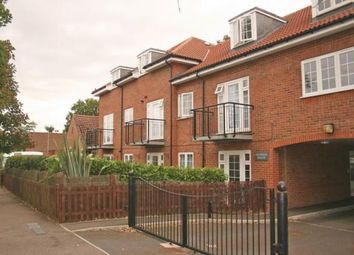 Thumbnail 2 bedroom flat to rent in Ludwick Way, Welwyn Garden City