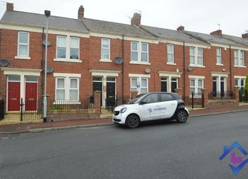 2 bed flat to rent in Watt Street, Gateshead NE8