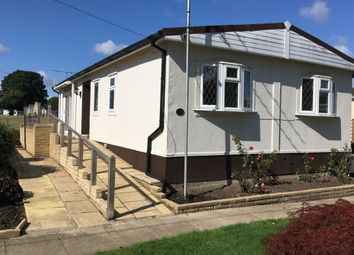 Thumbnail 2 bed mobile/park home for sale in Maple Walk, Broadway Park, Petersfield, Hampshire