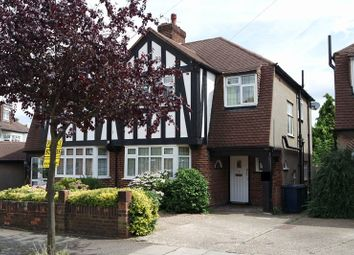 4 bed semi-detached house to rent in Raydean Road, New Barnet, Barnet EN5