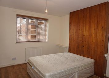2 bed flat to rent in Wilton Court, Wilton Road, Muswell Hill N10