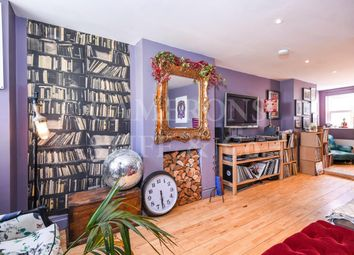 2 bed maisonette for sale in Herries Street, London W10