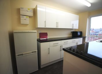 Thumbnail 2 bed flat to rent in Canford Court, Reading