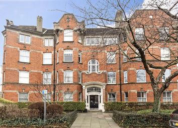 4 bed flat to rent in Woodstock Road, London W4