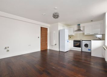 Thumbnail 2 bed flat to rent in Amhurst Road, London