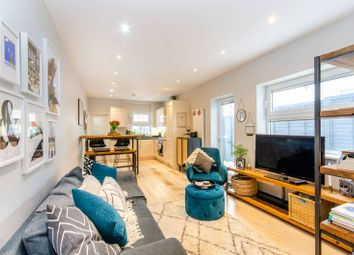 Brondesbury Park, Brondesbury Park, London NW2. 2 bed flat for sale