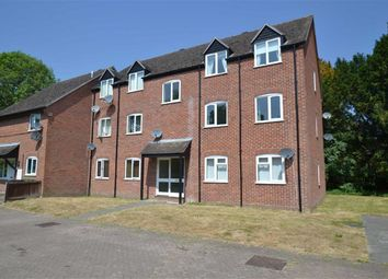 Thumbnail 2 bed flat for sale in Cleveland Grove, Newbury, Berkshire