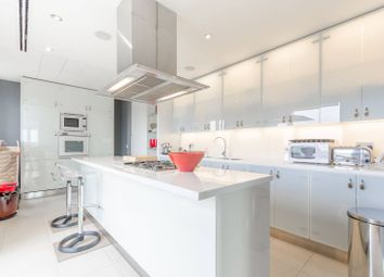 Thumbnail 4 bedroom flat for sale in Belgrave Court, Canary Wharf