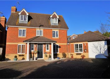 Thumbnail 6 bed detached house for sale in Dart Drive, Didcot