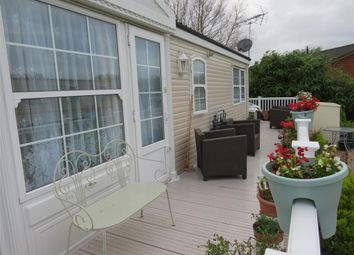 Thumbnail 2 bed property to rent in Vinnetrow Road, Runcton, Chichester