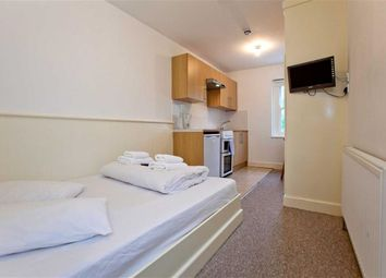 Thumbnail Studio to rent in Belsize Square, London