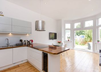 Thumbnail 3 bed flat to rent in Oakdale Road, Streatham Common