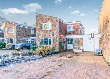 Thumbnail 4 Bedroom Detached House For Sale In Hindhead Close Crawley