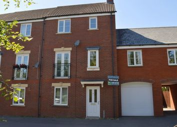 Thumbnail 4 bed town house for sale in Dolina Road, Swindon