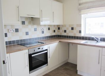 2 bed flat to rent in Langton Close, Addlestone KT15