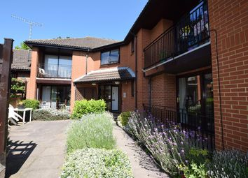 Thumbnail 1 bed flat to rent in High Road, Broxbourne