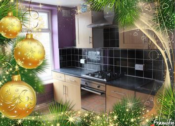 Thumbnail 2 bed flat to rent in Station Road, Hadfield, Glossop
