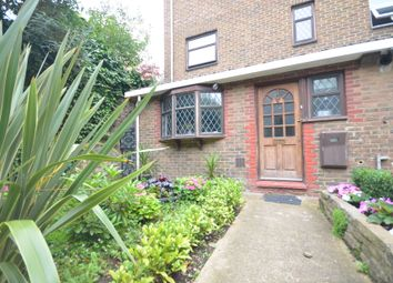 Room to rent in Westferry Road, London E14