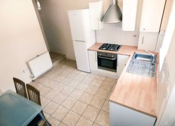 Thumbnail 2 bed town house to rent in Stanley Street, Luton