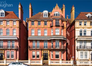 Kings Gardens, Hove Seafront BN3. 3 bed flat for sale