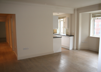 Thumbnail 3 bed flat to rent in Vicarage Court, London