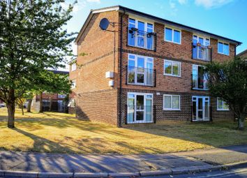 Thumbnail 2 bed flat to rent in Borough Avenue, Wallingford