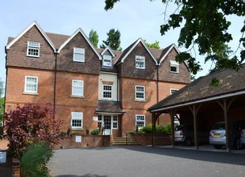 2 bed flat to rent in Kingsland House, 135 Andover Road, Newbury RG14