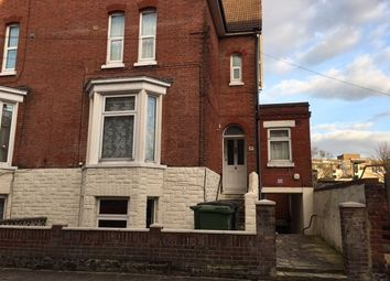 Thumbnail 1 bed flat to rent in Elphinstone Road, Southsea