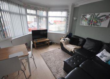 4 bed property to rent in Buckingham Avenue, Hyde Park, Leeds LS6