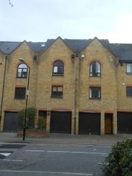 Thumbnail Room to rent in Kennet Street, London