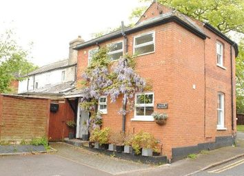 Thumbnail 1 bed flat to rent in Upper Village Road, Ascot