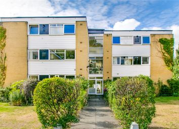 Thumbnail 2 bed flat to rent in Queen's Ride, Barnes, London