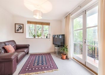 Thumbnail 1 bed flat to rent in Brompton Park Crescent, Fulham, London