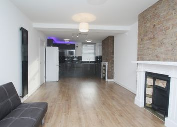 Thumbnail 3 bed flat to rent in Minet Avenue, London