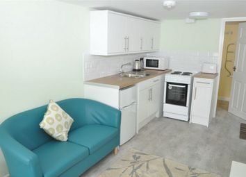Thumbnail 1 bed flat to rent in Beacon Road, Falmouth