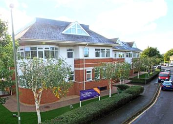 Four Corners, Pound Road, Chertsey, Surrey KT16. 1 bed flat