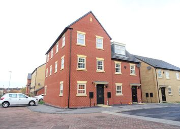 Thumbnail 2 bed town house to rent in Fallbrook Road, Castleford